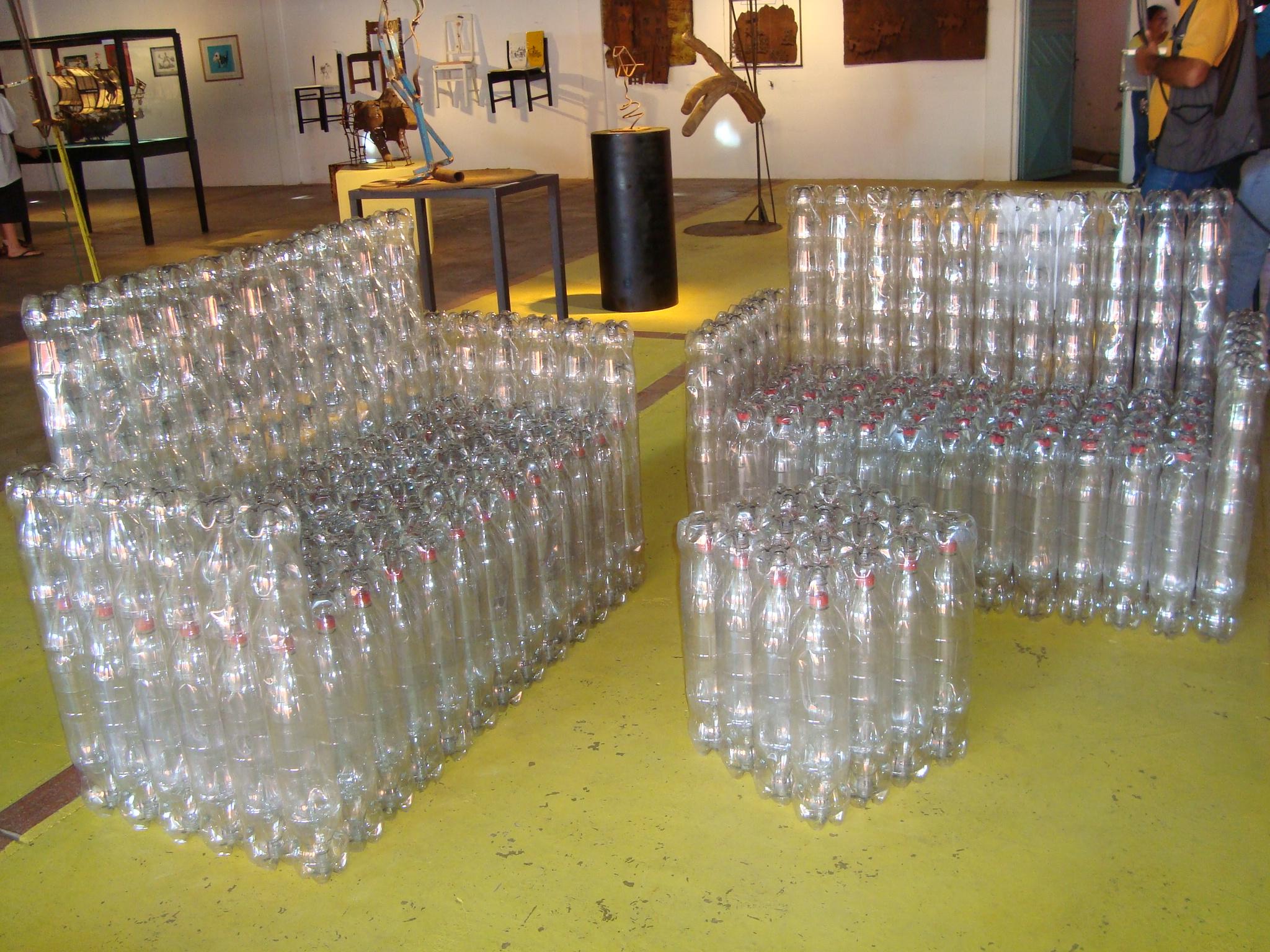 Стулья из пластиковых бутылок своими руками