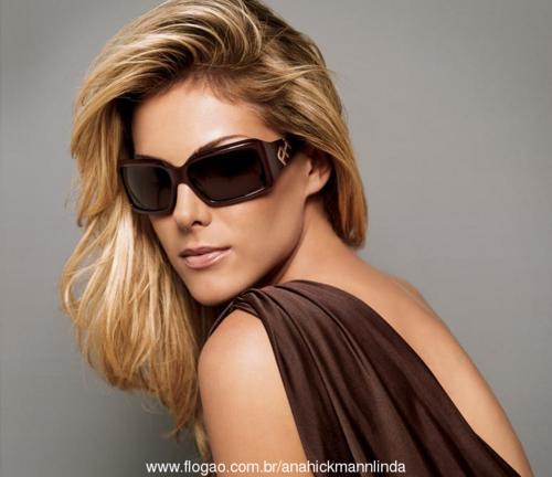 8ecf75ca7af0a Portanto invista nos óculos da coleção Ana Hickmann 2013 e dê mais estilo  ao seu visual lembrando que alguns dos modelos estão a venda pela internet.