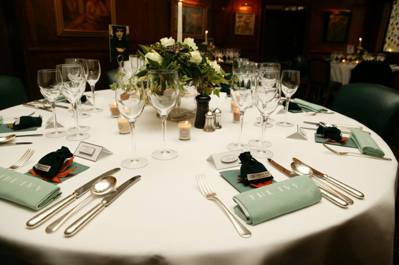 Como Decorar uma Mesa de Jantar Dicas e Fotos -> Como Decorar Mesa De Jantar Para Casamento