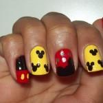 decoracao-de-unhas-com-Mickey-Mouse-4