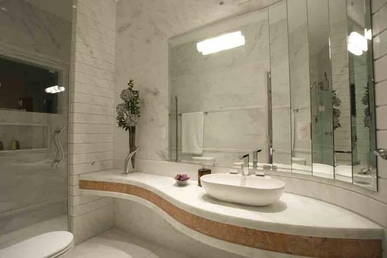 decoracao teto banheiro:Conteúdo relacionado sobre Espelhos para Banheiros: Dicas e Fotos