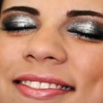 modelos-de-maquiagens-prateada-para-os-olhos