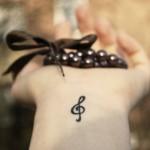 tatuagem-feminina-pequena-e-delicada-3