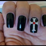 unhas-decoradas-com-cruz-2