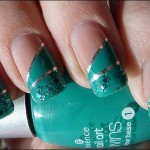 unhas-decoradas-com-fitas-metalizadas-7