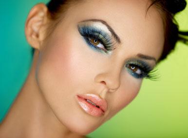 Maquiagem Colorida para Morenas, Fotos e Dicas de Como Fazer