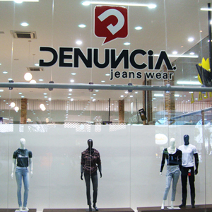 Site denuncia jeans