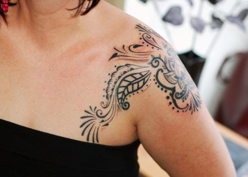 Tatuagem Feminina no Ombro – Fotos e Modelos